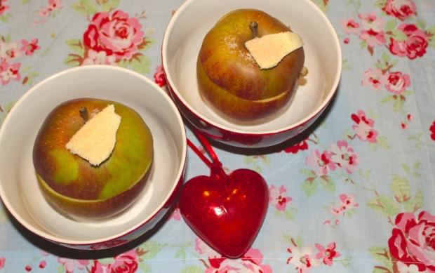 Zimt, Zucker und Butter dürfen bei keinem Bratapfel fehlen.